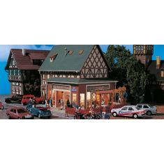 Vollmer 43681 Luigi´s Pizzeria mit Inneneinrichtung, Beleuchtung