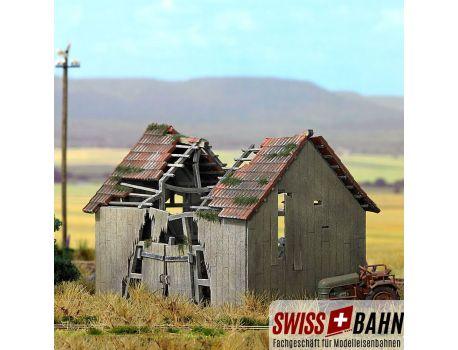 Busch 1405 Verfallene Scheune auf dem Land - H0