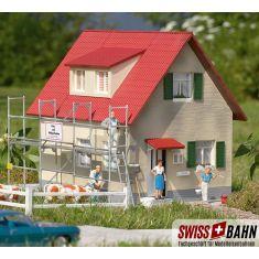 PIKO 62072 Wohnhaus mit Gerüst - Baustelle Spur G