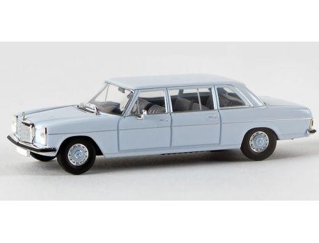 BREKINA 13403 Mercedes 220 D lang (V115),hellblau H0