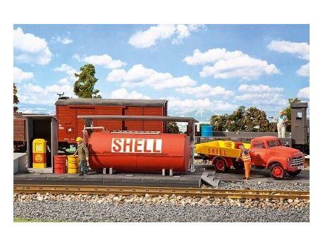 POLA 331003 Tankstelle LKW Shell mit Ölfässern, bewegliche Zapfpistole